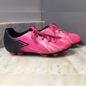 UMBRO Pink & Black Soccer Cleats - Youth Girls 1.5